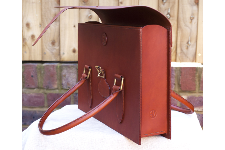 Brand new lightweight document case – Gizzi Leather UP85